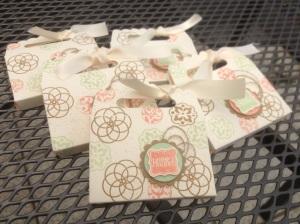Tasche aus Umschlag mit Zierlasche (1)
